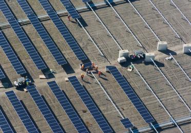 Centrale solaire SunPower Total, Henrietta en Californier, 102 MW, opérationnelle depuis 2016