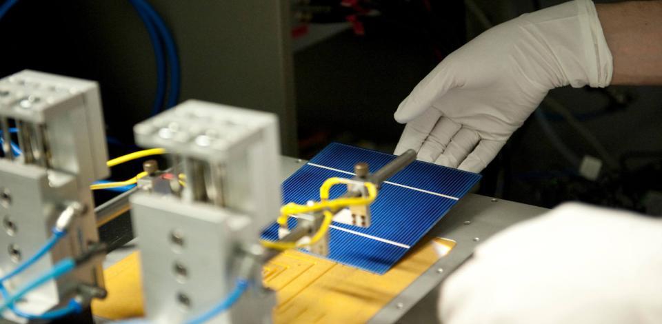 IMEC, centre de recherche sur les cellules solaires en partenariat avec Photovoltech. Louvain, Belgique.