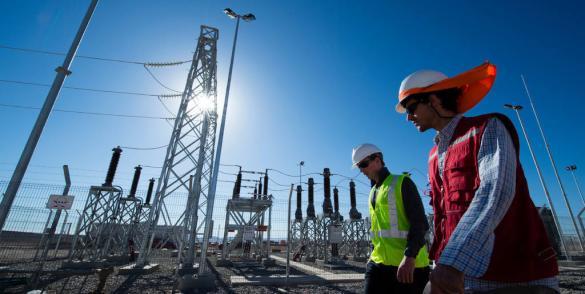 Mathieu Hess et Mathias Mayol. Centrale Solaire Total Nuevas Energias Chile - Sunpower. El Salvador, dans la région d'Atacama, Chili.