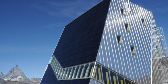 Panneaux solaires SunPower Total sur toitures industrielles, Etats-Unis.